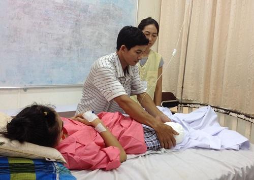 Nữ sinh bị cưa chân: Yêu cầu xử lý hình sự các bác sĩ tắc trách